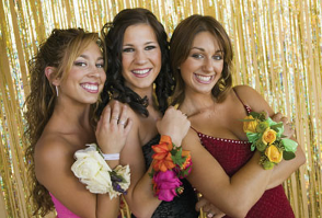 image of 3 girls at a Prom at Roundwood in Norwich