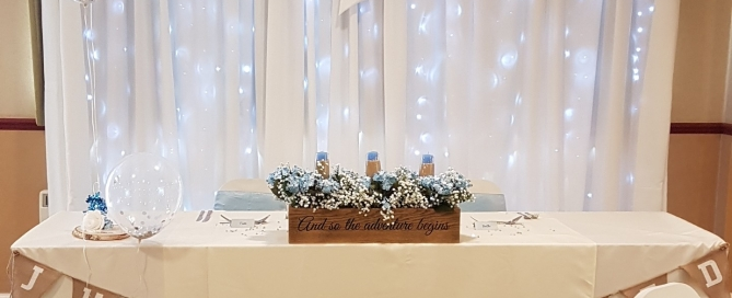 A Sweetheart table at Roundwood with our starlight backdrop